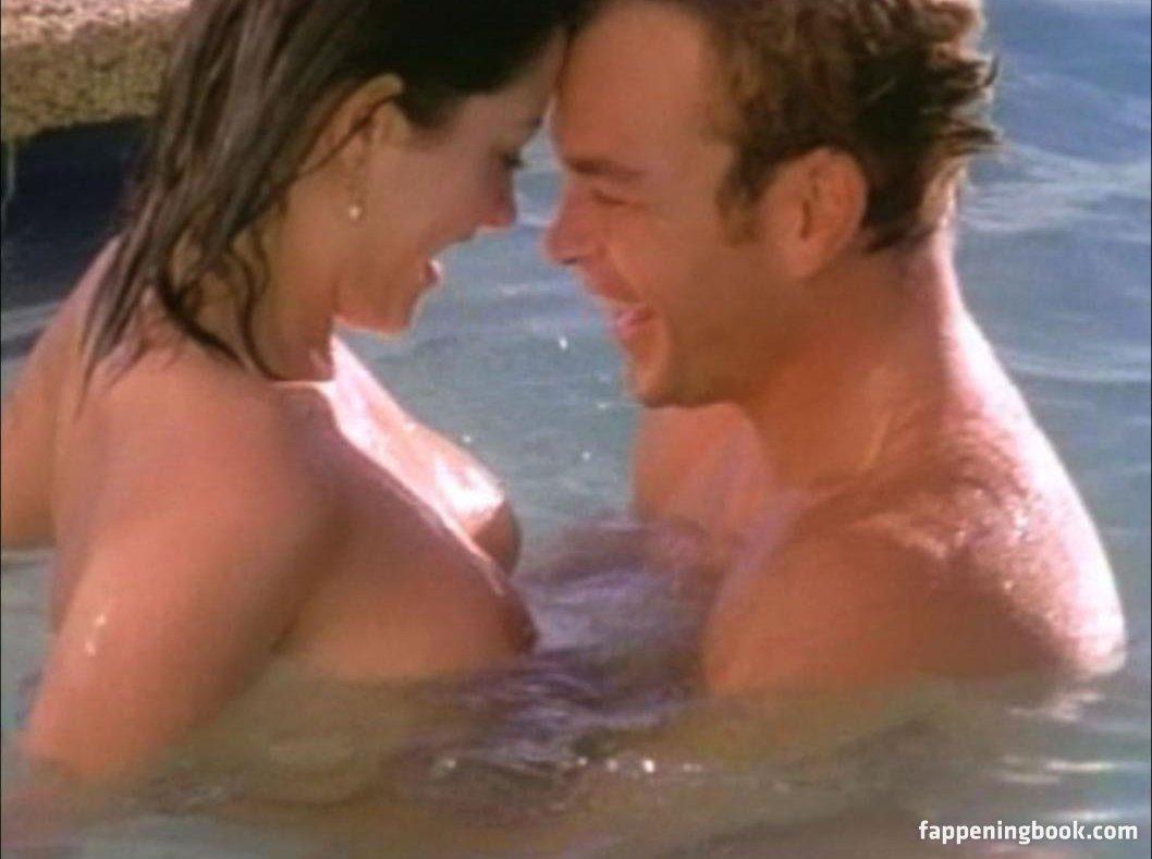 Gina Everett Nude