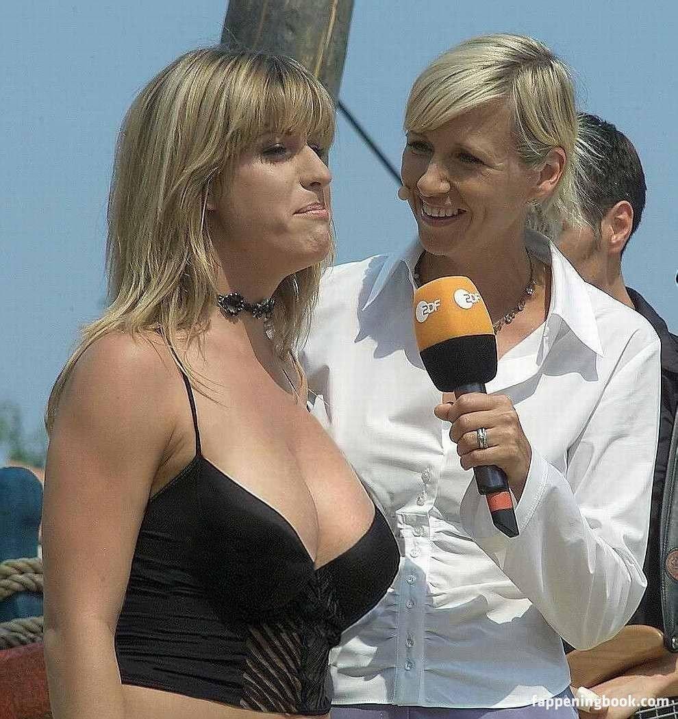 Gracia Baur  nackt