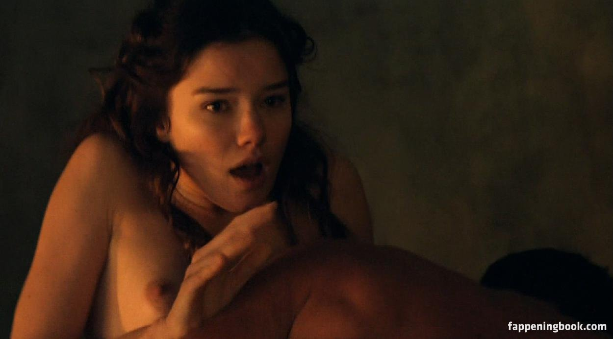 Hanna Mangan Lawrence Nude