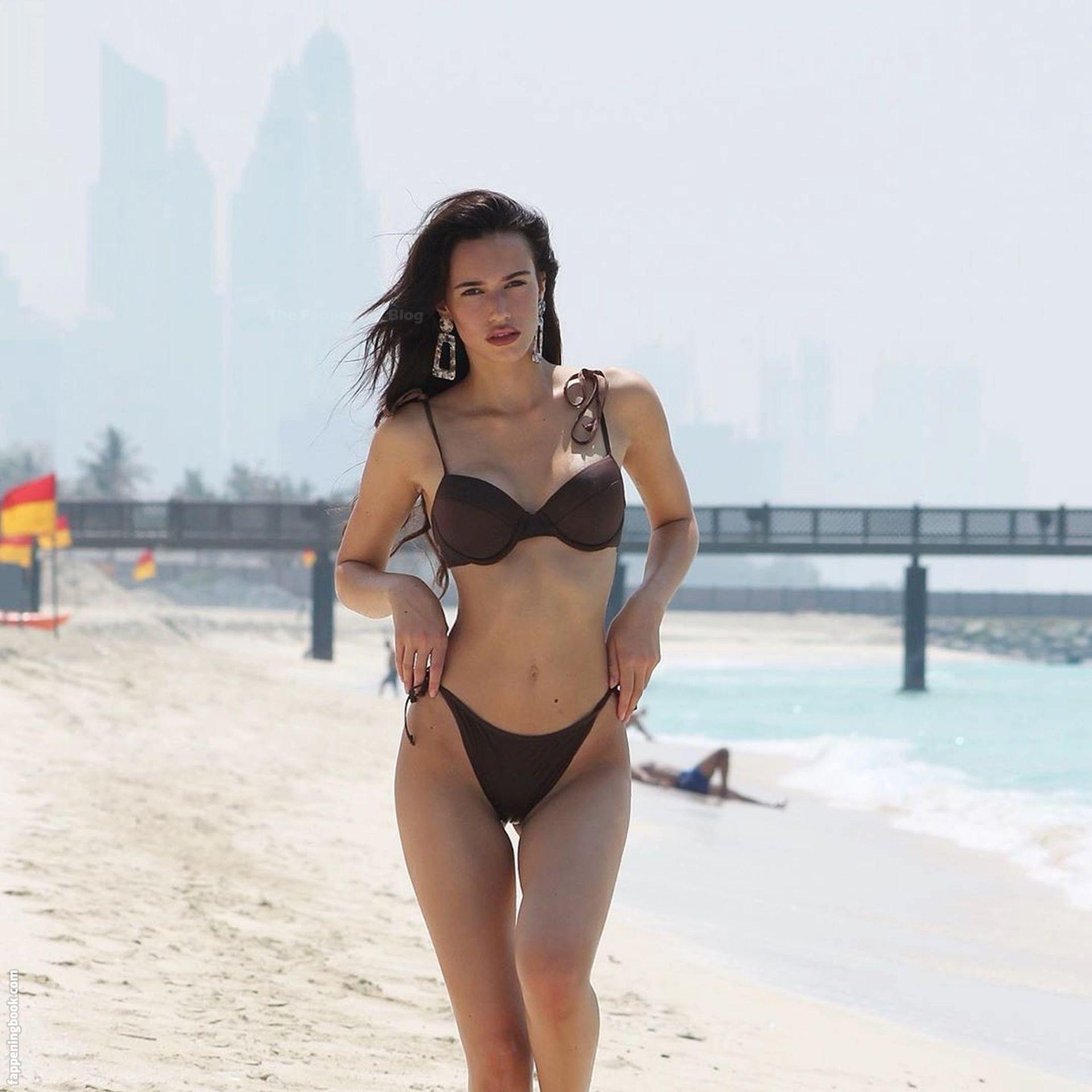 Hanna Weig Nude
