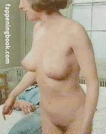 Amanda Kozlo  nackt