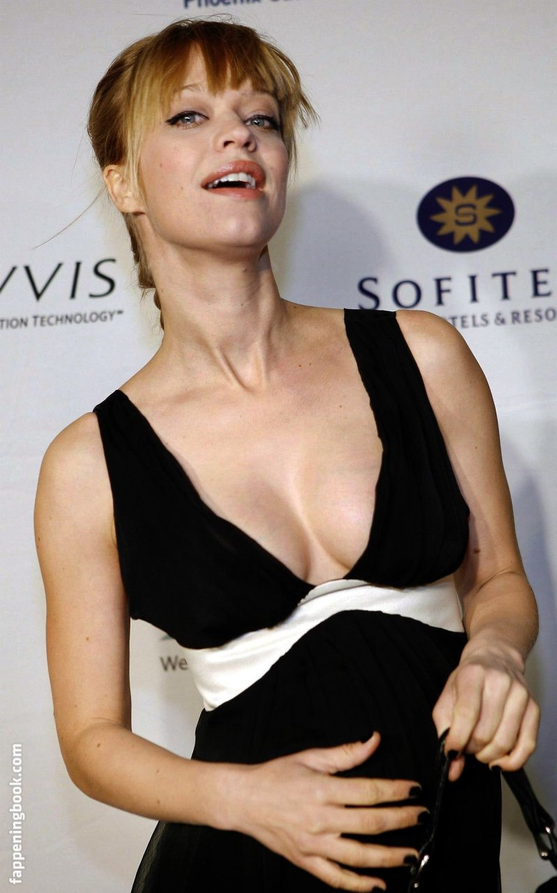 Marta Pozzan  nackt