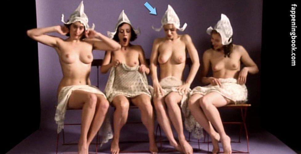 Nackt Amy Esacove  200 Barb