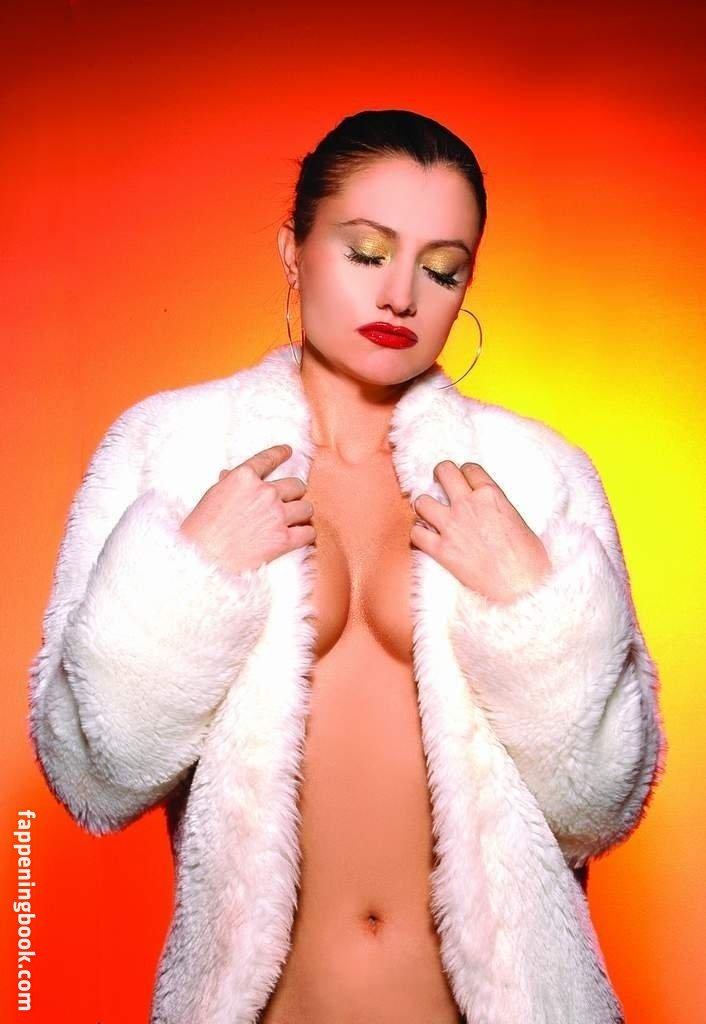 Renée Pietrangelo  nackt