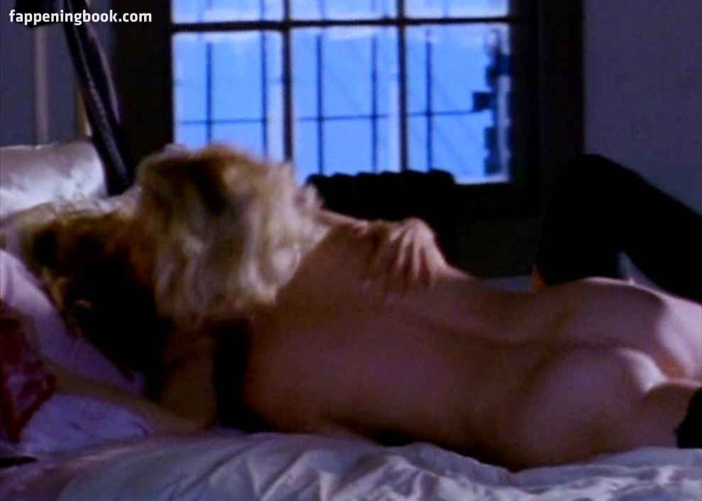 Hopke nackt Holiday  National Nude