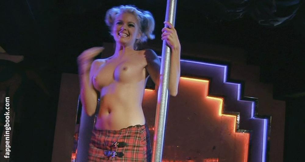 Hollie Winnard Nude