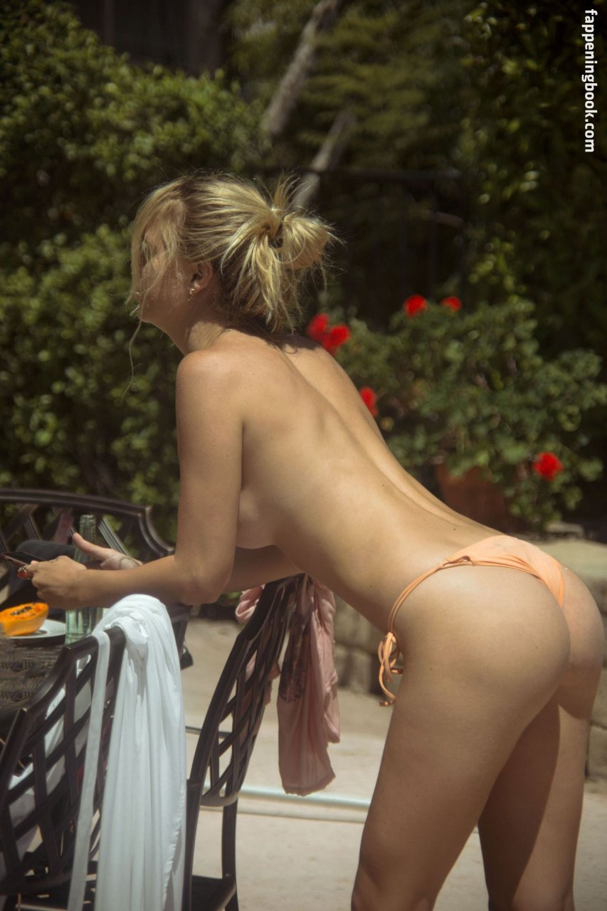 Ana Walczak Nude holly graves nude, sexy, the fappening, uncensored - photo
