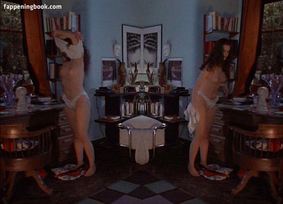 Ione Skye Nude Topless In Shower