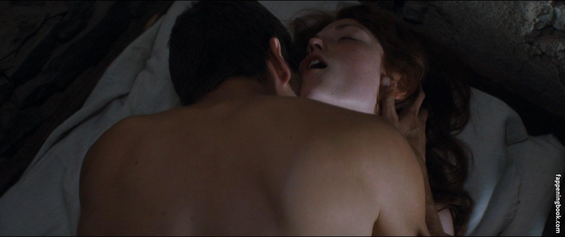Iris Bry Nude