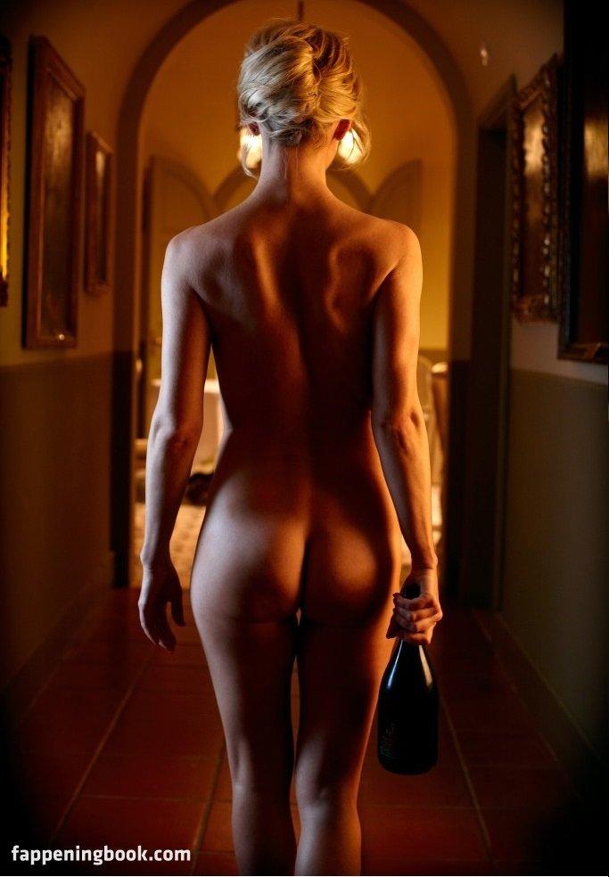 Kathryn Noble  nackt