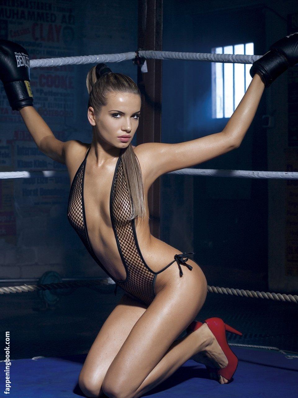 Nackt  Isabella Syrek Shooting: Nackte