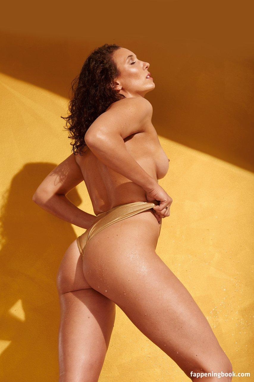 Angela Serrano  nackt
