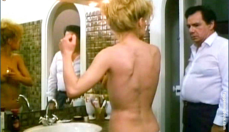Mergault nackt Isabelle  Isabelle Mergault