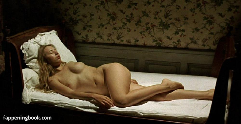 Eunice Freitas  nackt