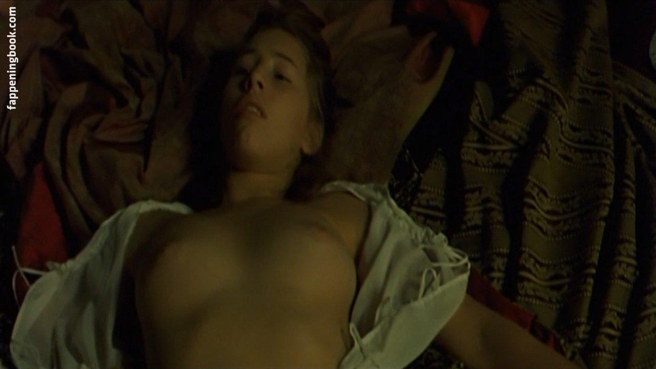 Julia Migenes  nackt