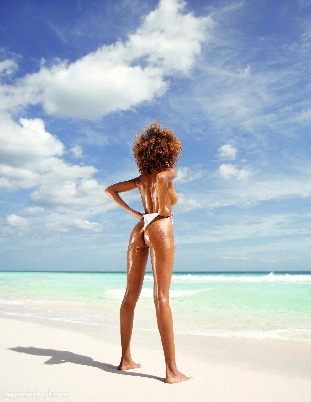 Jackie Almeida Nude