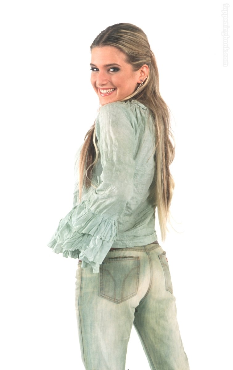Aldina Martano  nackt