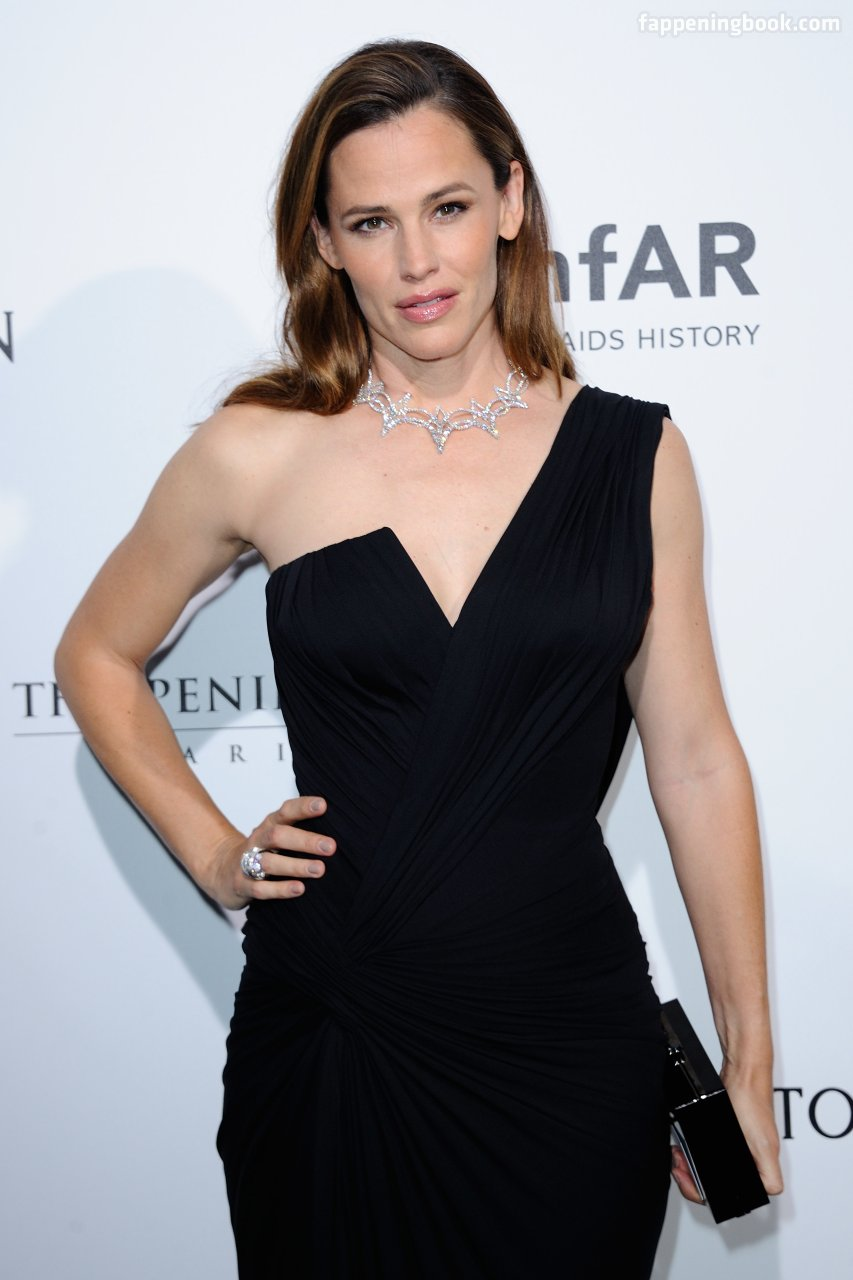 Hots Jennifer Sarah Marin Rivell Nude Scenes
