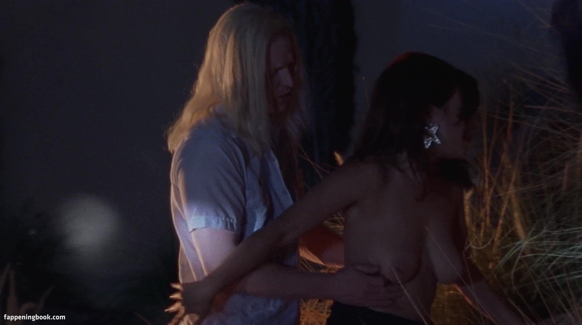 Jennifer Tilly Nude