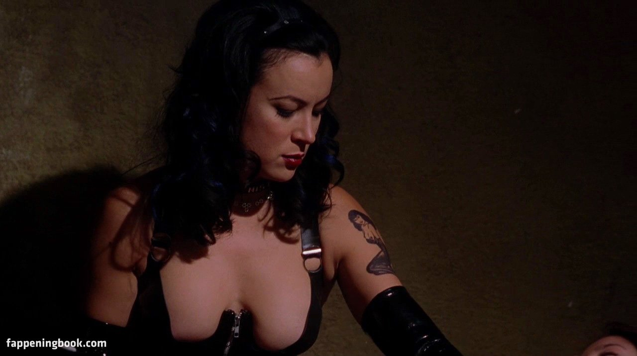 jennifer-tilly-blowjob
