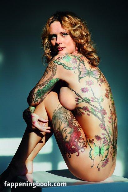 Jennifer weist naked