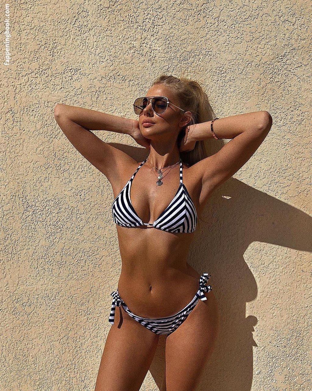 Jess Hunt Nude