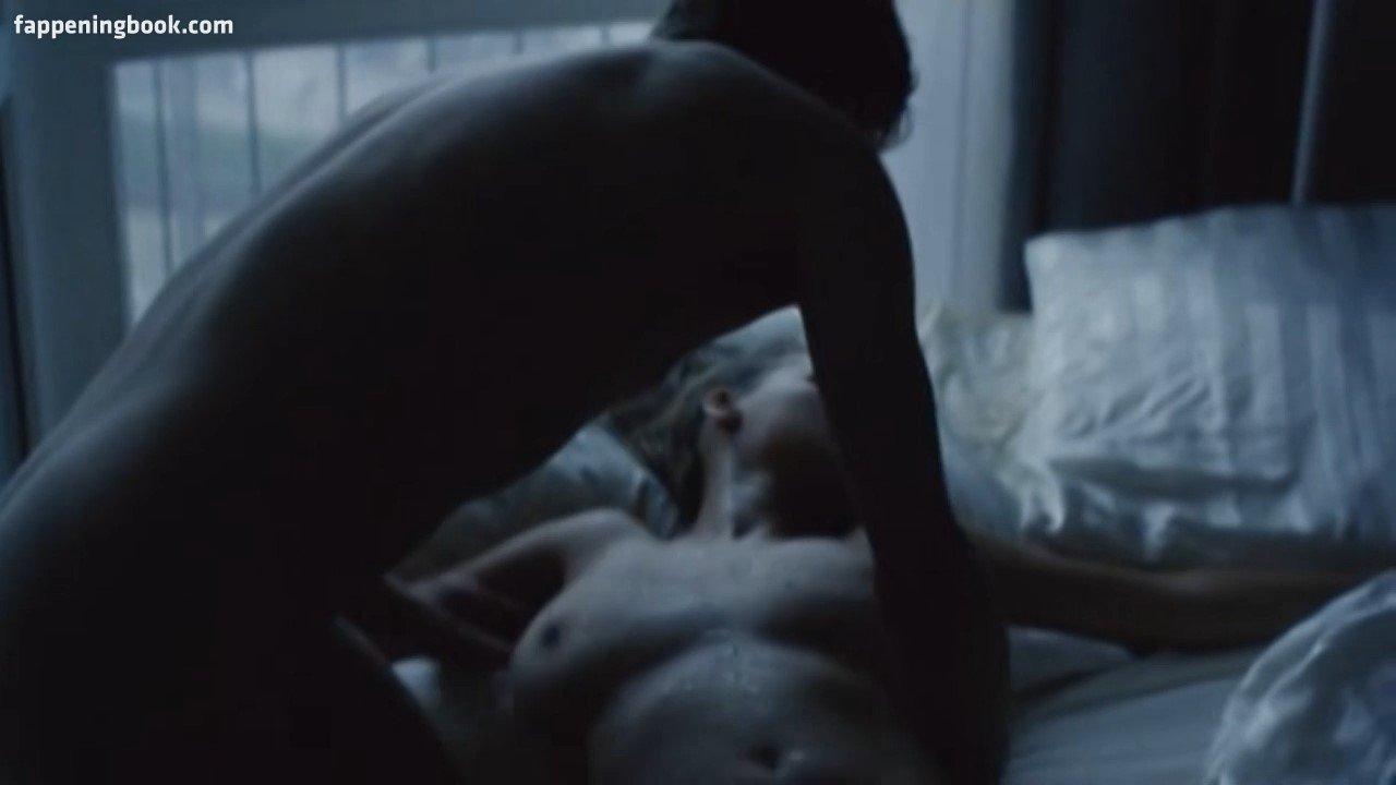 Nude joanna kulig Thighs Wide