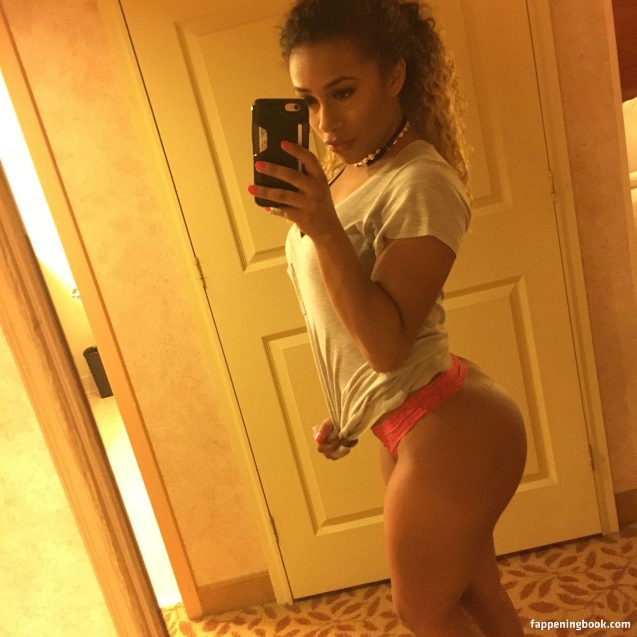 Teen girl buttholes