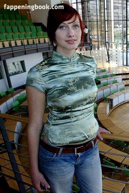 Maksimovic nackt Danica  Danica Maksimovic