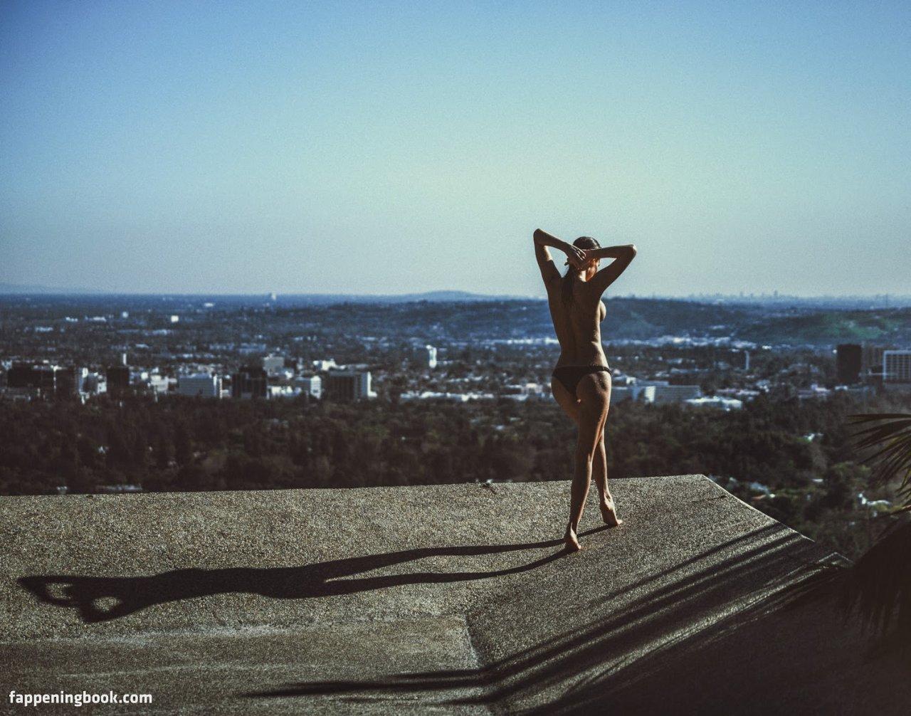 Julia Lescova Nude, Sexy, The Fappening, Uncensored