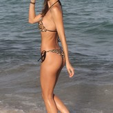 Julia Pereira  nackt