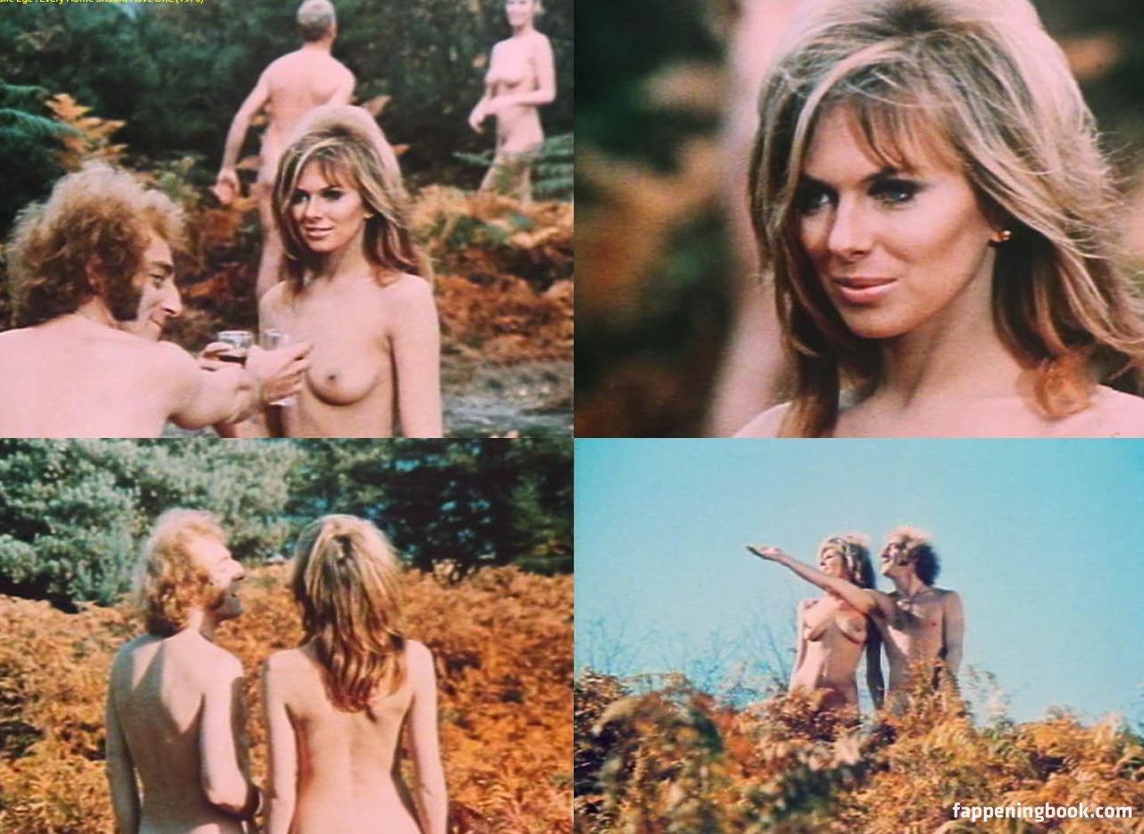 Lauren Bowles  nackt
