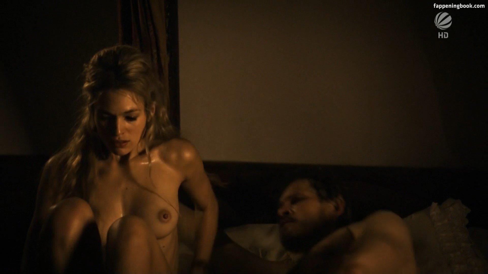 Julie nackt Engelbrecht Actresses who