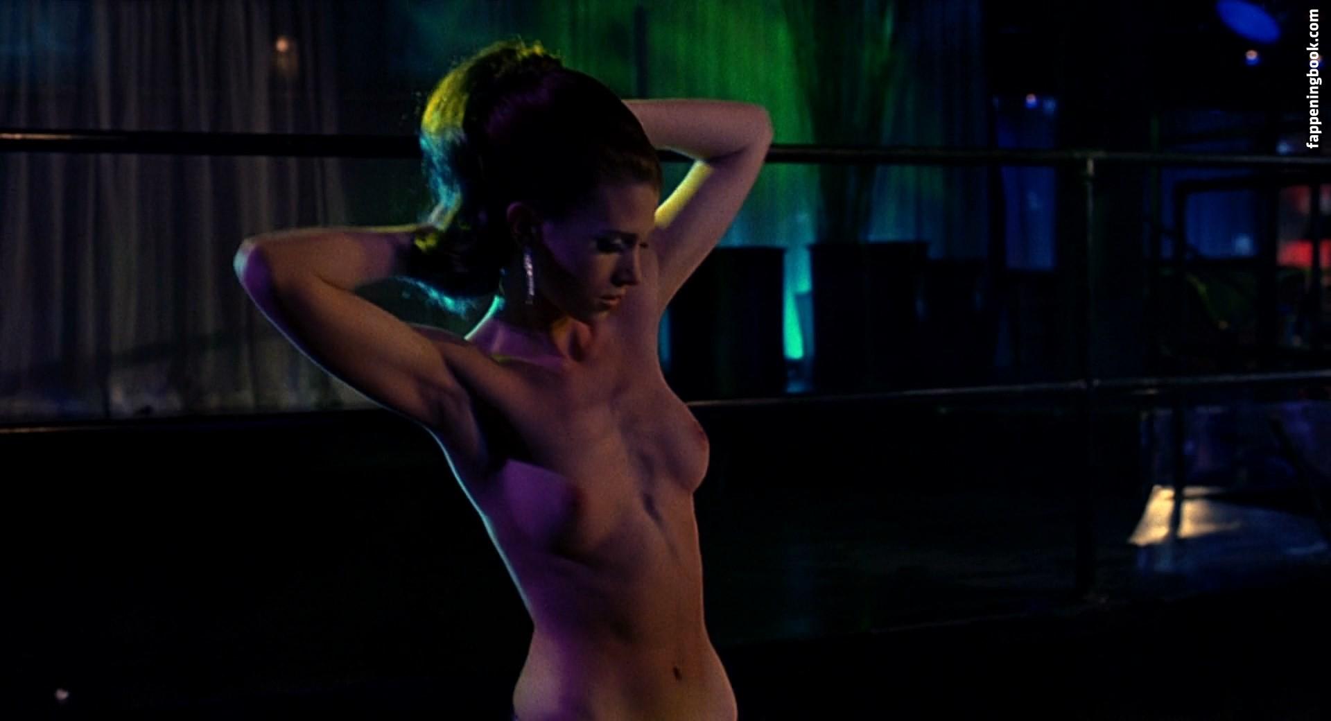 Nackt  Julie McNiven Julie McNiven