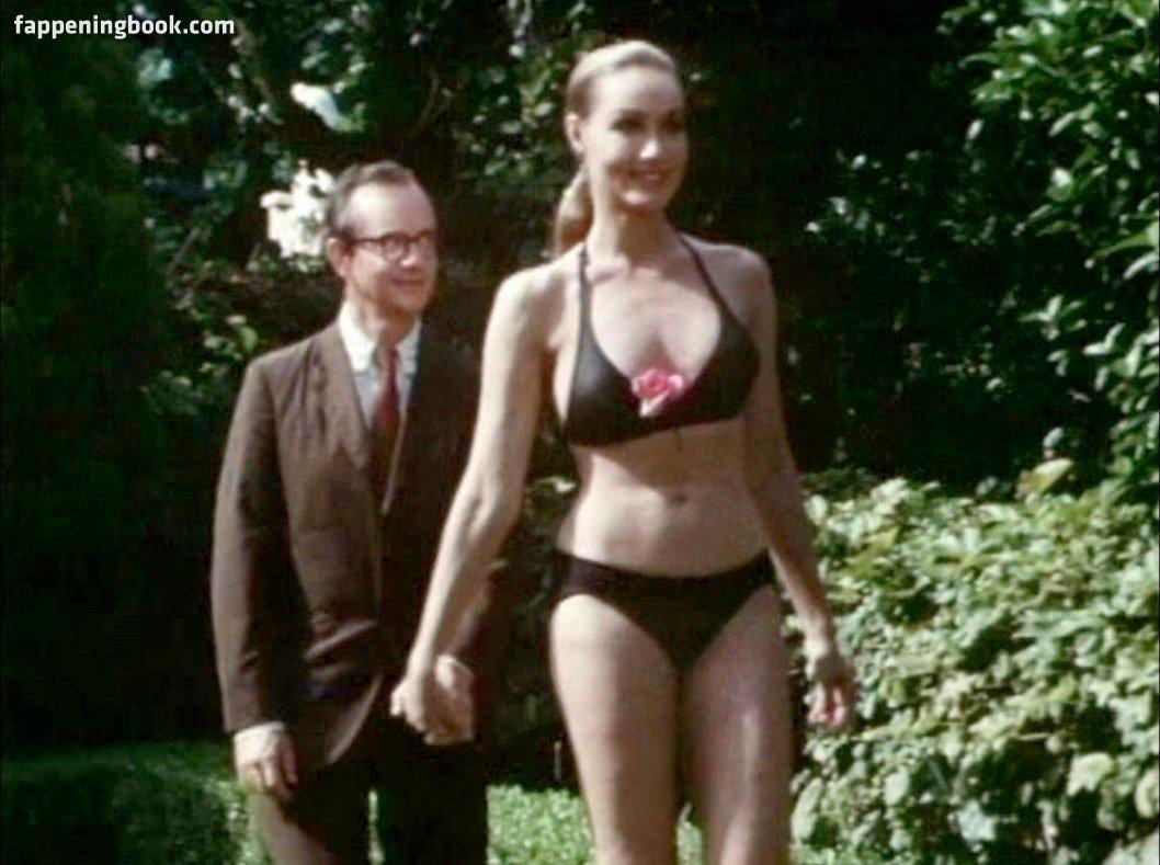 Julie Newmar Nude
