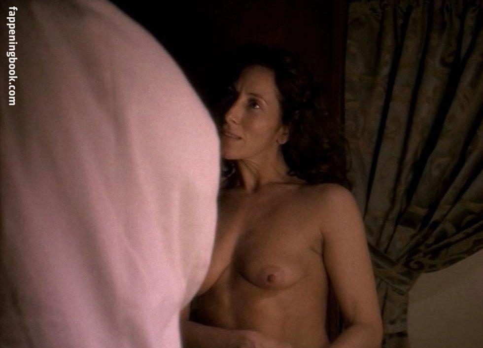 Nackt  Karen Eyo 60 Sexy