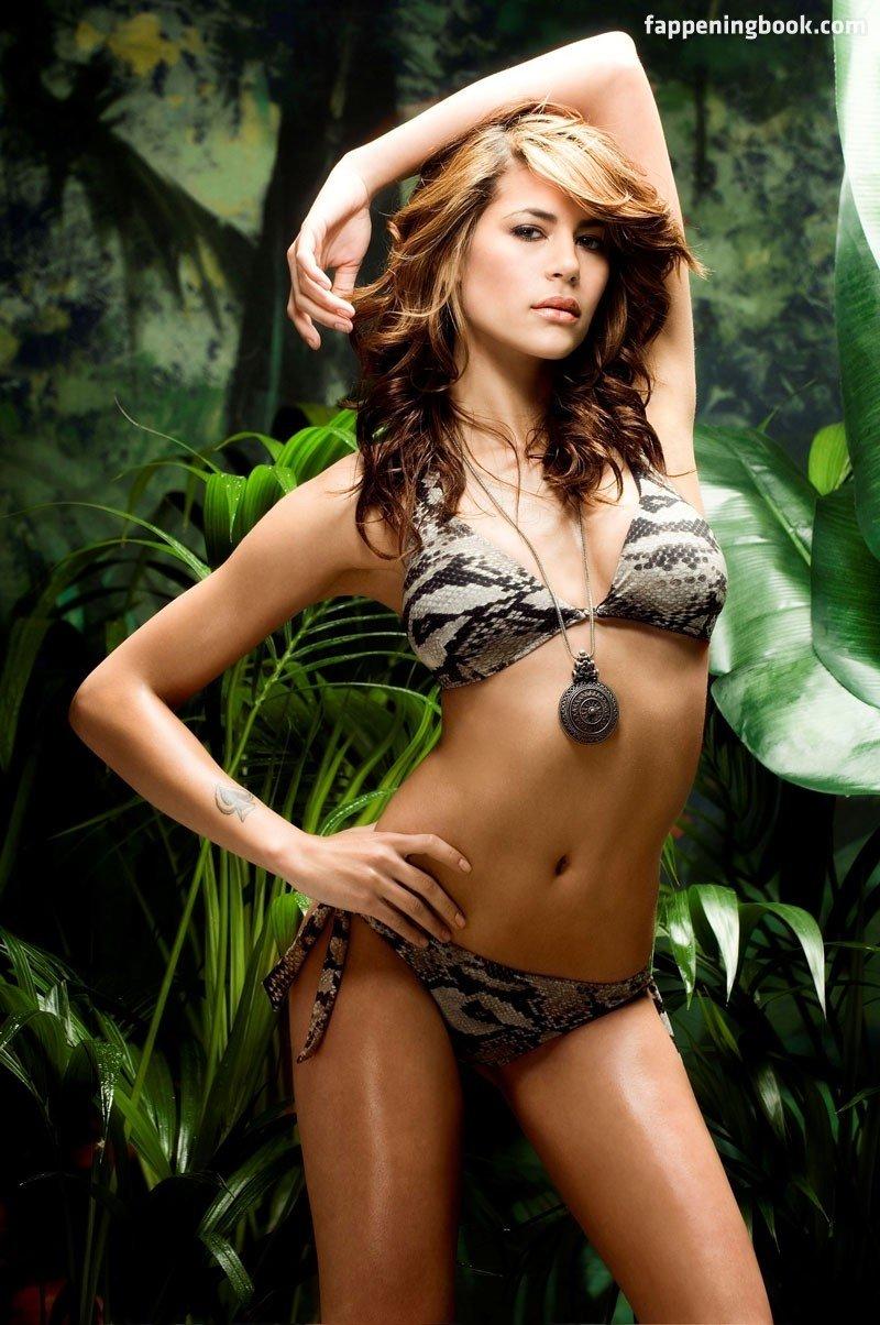 Nackt Karima Adebibe  Lara Croft