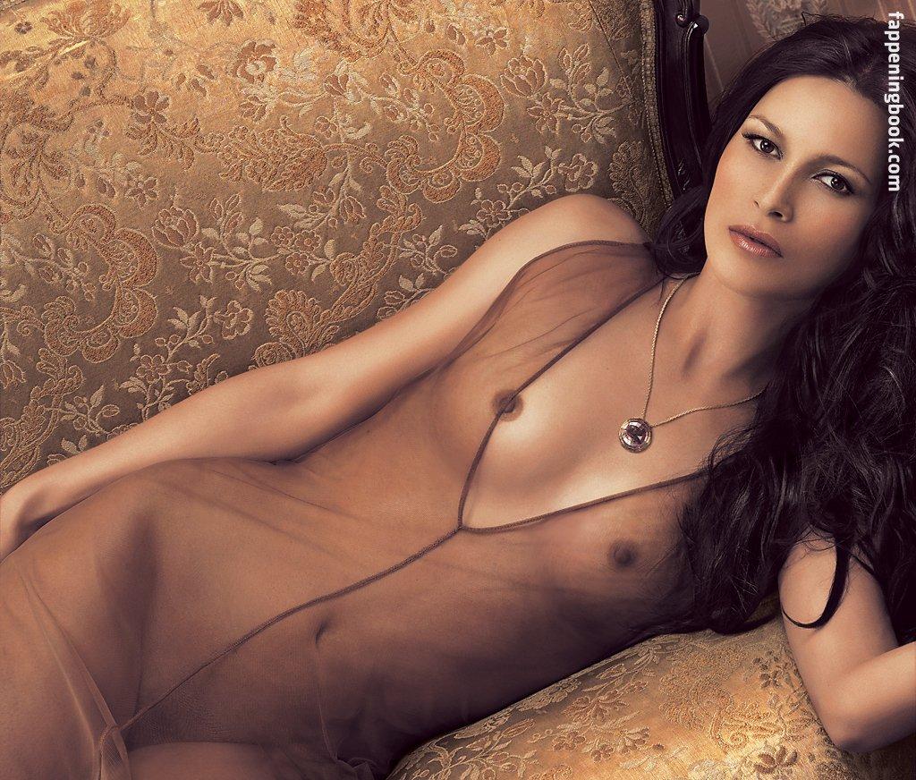 Dana Pine  nackt