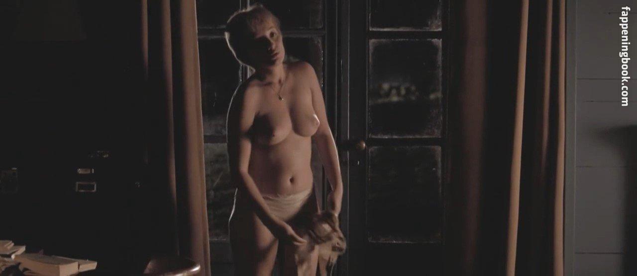 Nackt Mary Etuk  Mary E
