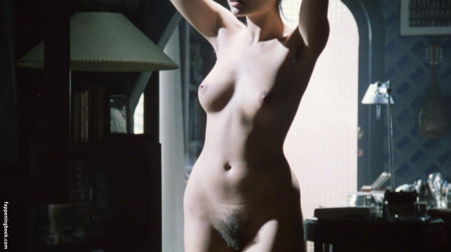 Wright  nackt Eugenia Eugenia Wright