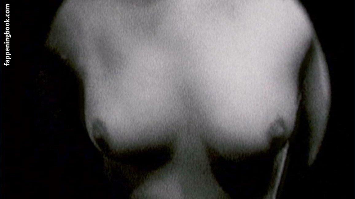 Katherine Scharhon  nackt