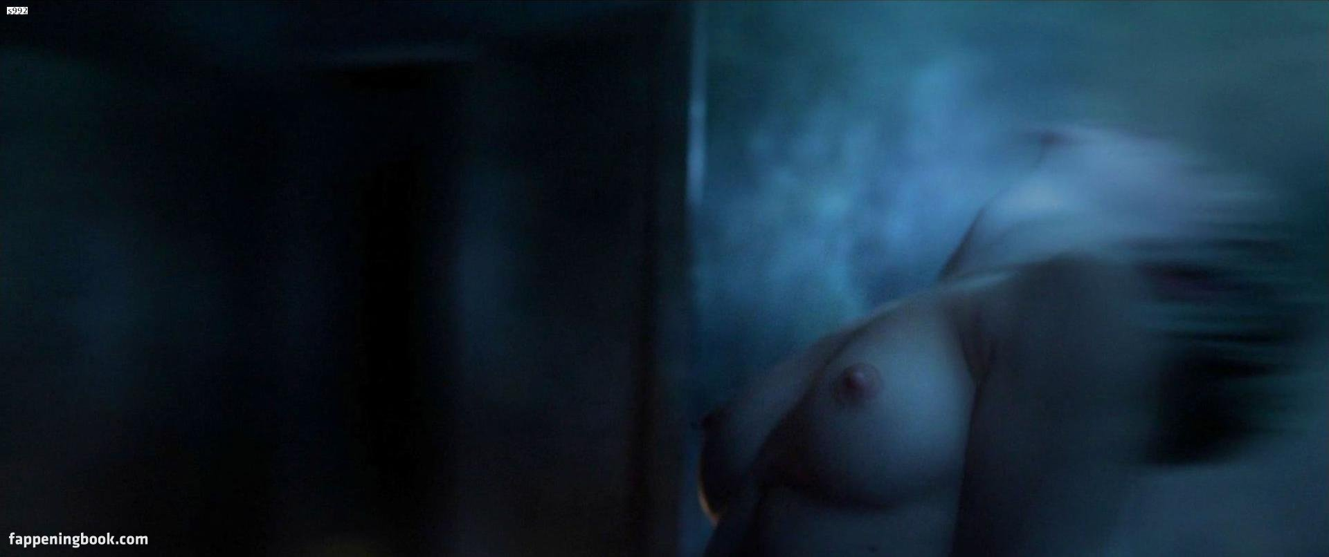 Katie Cassidy Nude