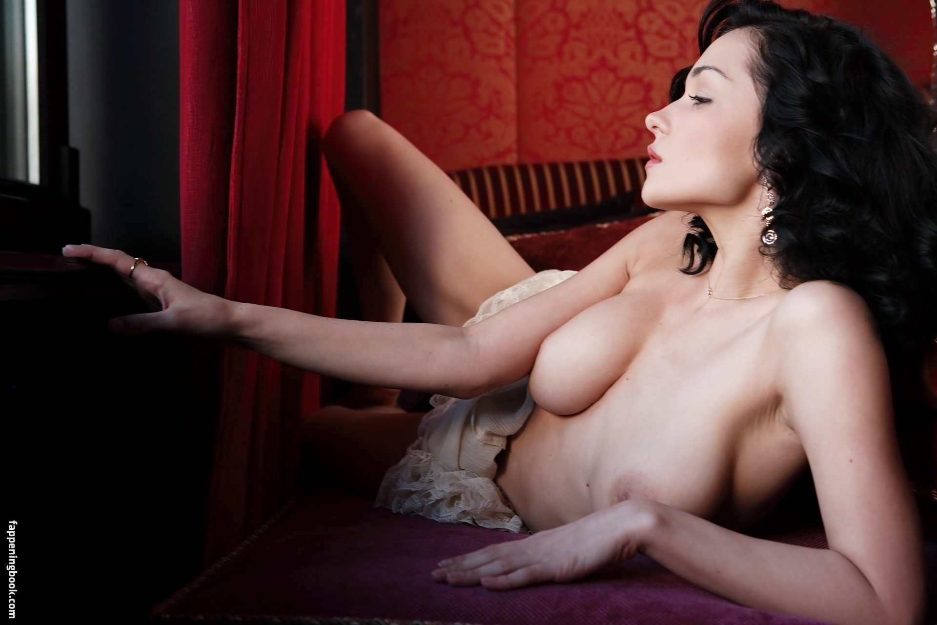 Katie fey nude with pierces tities
