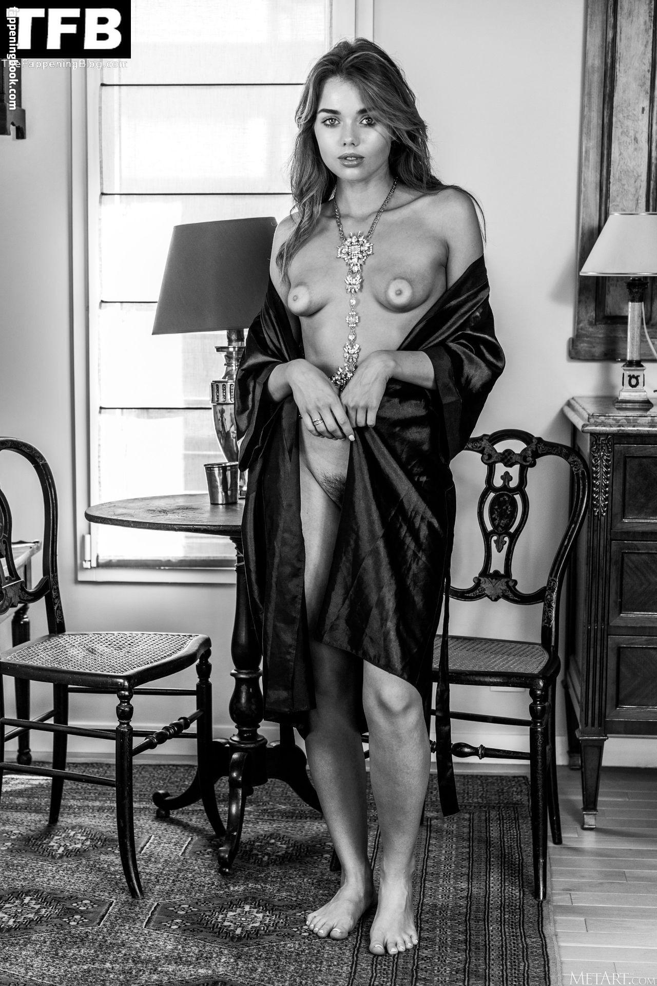Keira Blue Nude