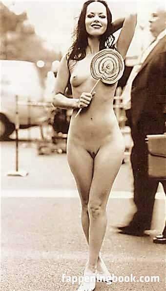 Maria Ibey  nackt