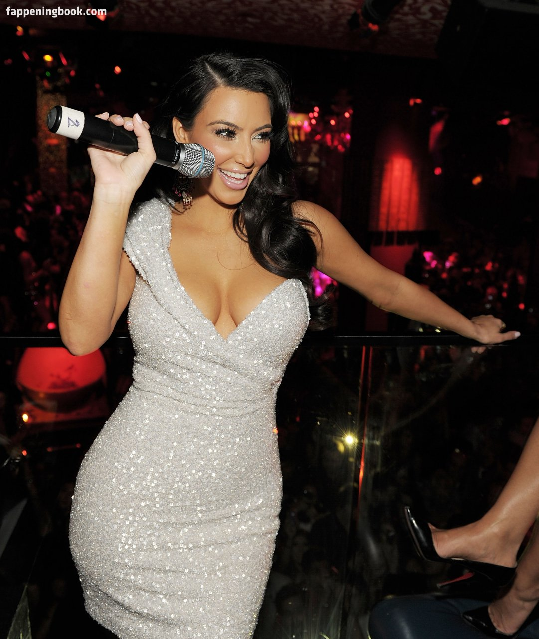Kim Kardashian Nude, Sexy, The Fappening, Uncensored