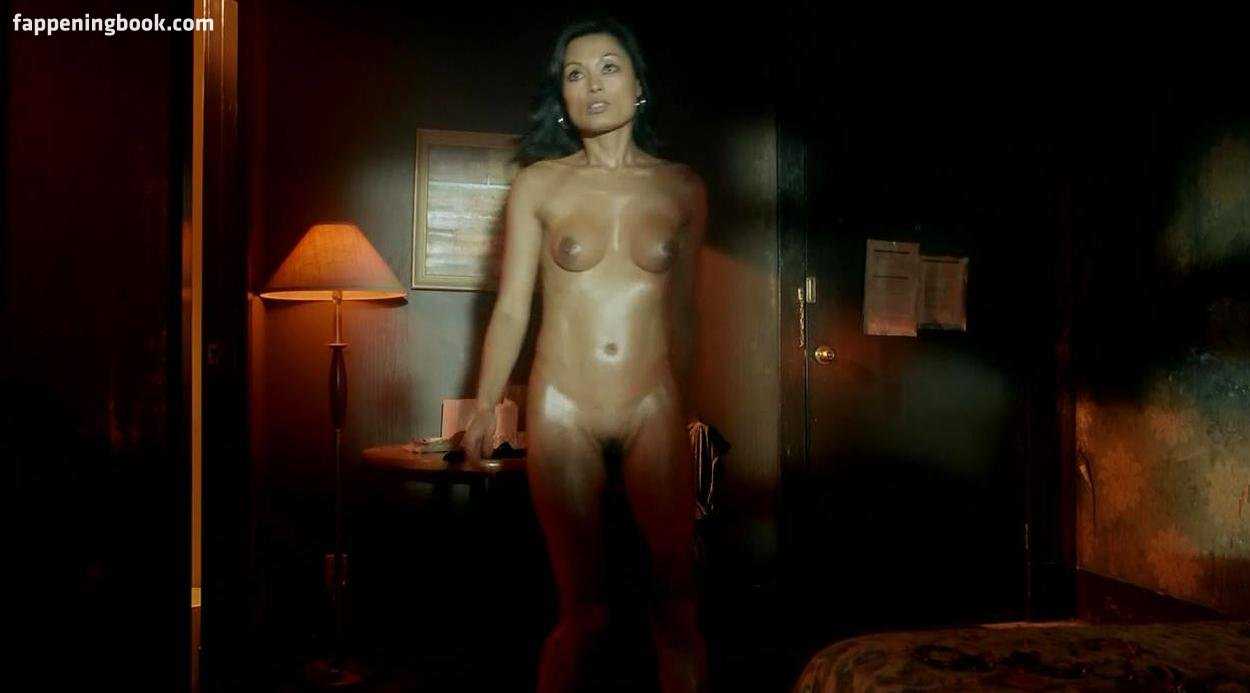 Kira Clavell Nude