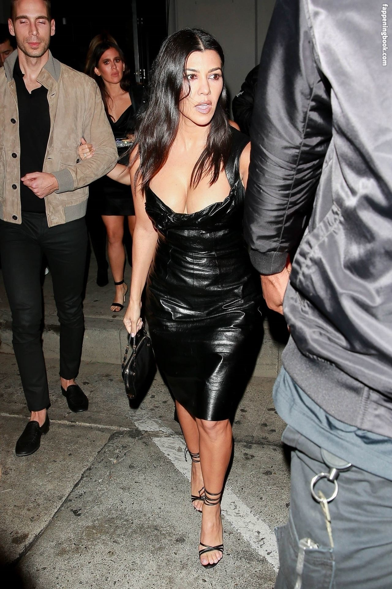 Kourtney Kardashian Nude The Fappening - FappeningGram