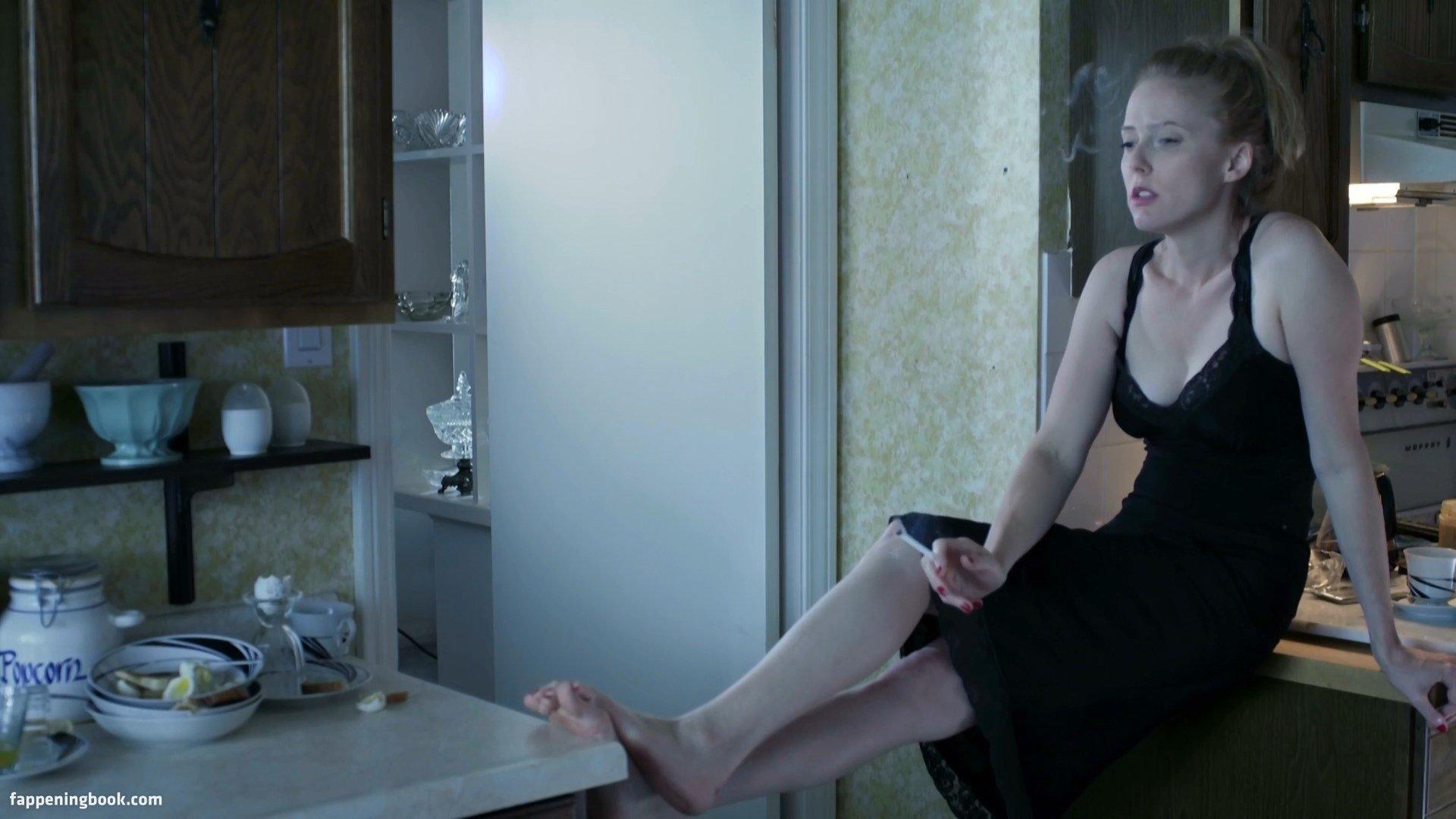 Kristen Harris  nackt