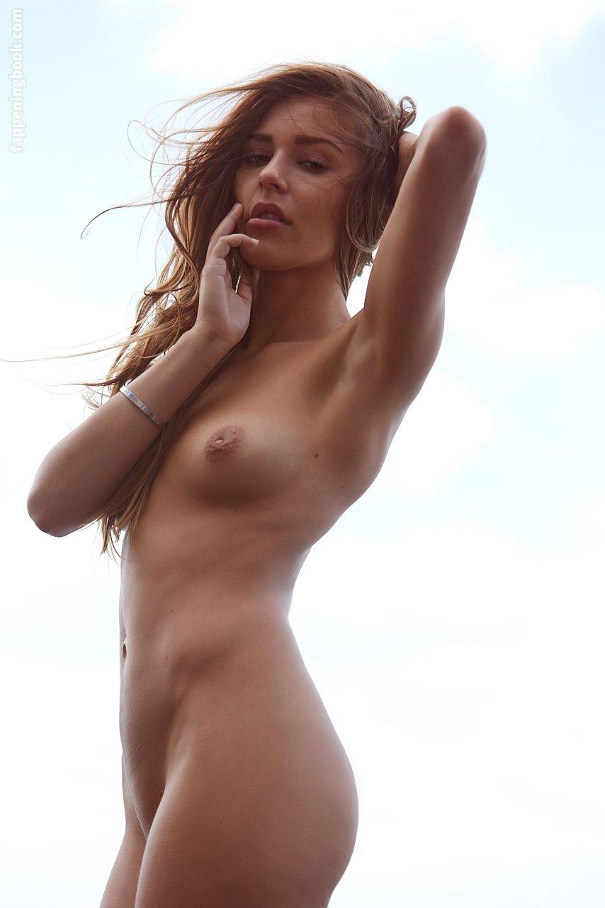 Chantelle Raleigh  nackt